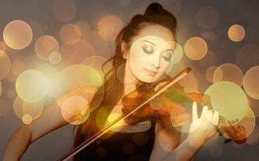 mujer tocando violin albinoni