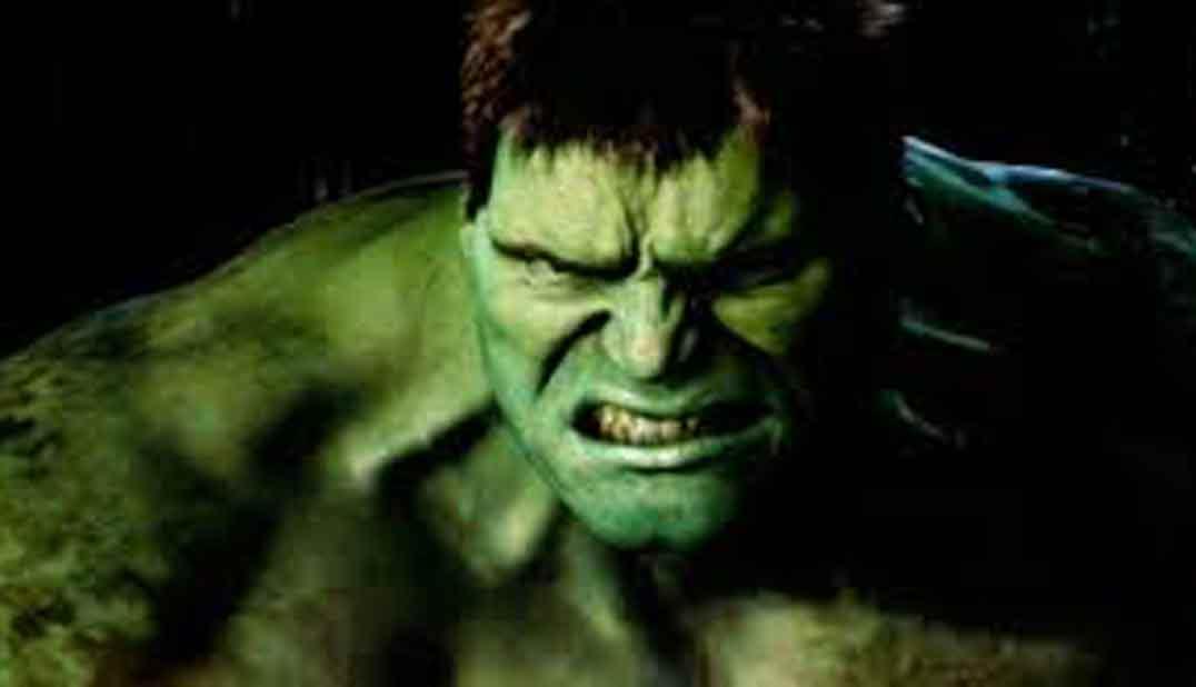 Imagen primer plano de Hulk, personaje de la película de Marvel, con ira