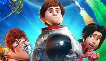 Cartel de Atrapa la bandera, película de dibujo, con protagonista niño vestido de astronauta y dos amigos, chico gordo y chica, niños