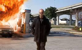 Johan Strahan en The Mecanic, foto escena la gasolinera