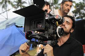 Foto del director de cine J.A. Bayona, para la película Un monstruo viene a verme