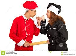 Cocineros discutiendo, hombre y mujer. Negligencia