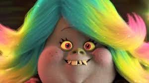 rostro de Brigitte, personaje de la película de dibujos Trolls, de Dreamworks