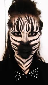 Mujer con cabeza de cebra, fotomontaje