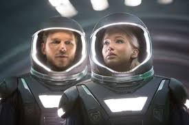 Passengers, protagonistas, JESSICA LAWRENCE y Chris Pratt con traje espacial