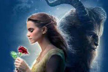 bella oliendo la rosa y dando la espalda a la bestia (en sombra) cartel de la pelicula digital de Disney La Bella y la Bestia