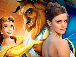 Emma Watson como Bella sobre una foto de La bella y la bestia, de dibujos bailando, de Disney