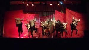 imagen de la estampida de búfalos, musical el Rey León, teatro lope de vega